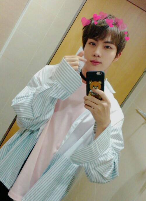 Bts Cute Wallpaper Jin Kimseokjin Cute Selca Bts Image By ѕ F