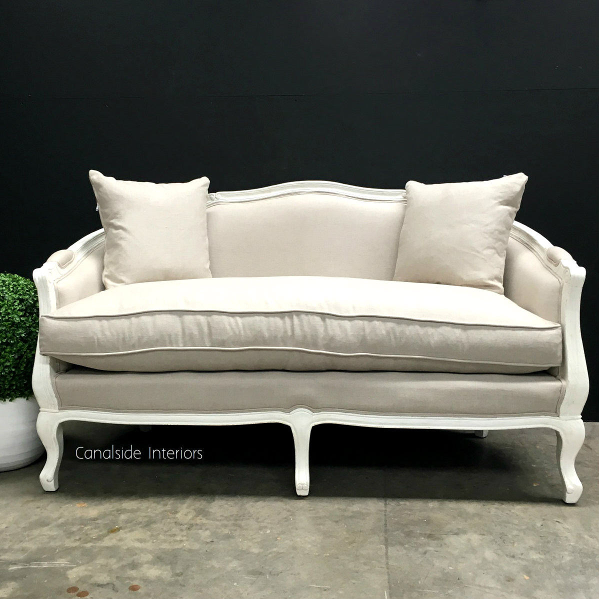 Canape Sofa Arya 2 5 Seater Canape Sofa Distressed White With Cream Upholstery In Stock