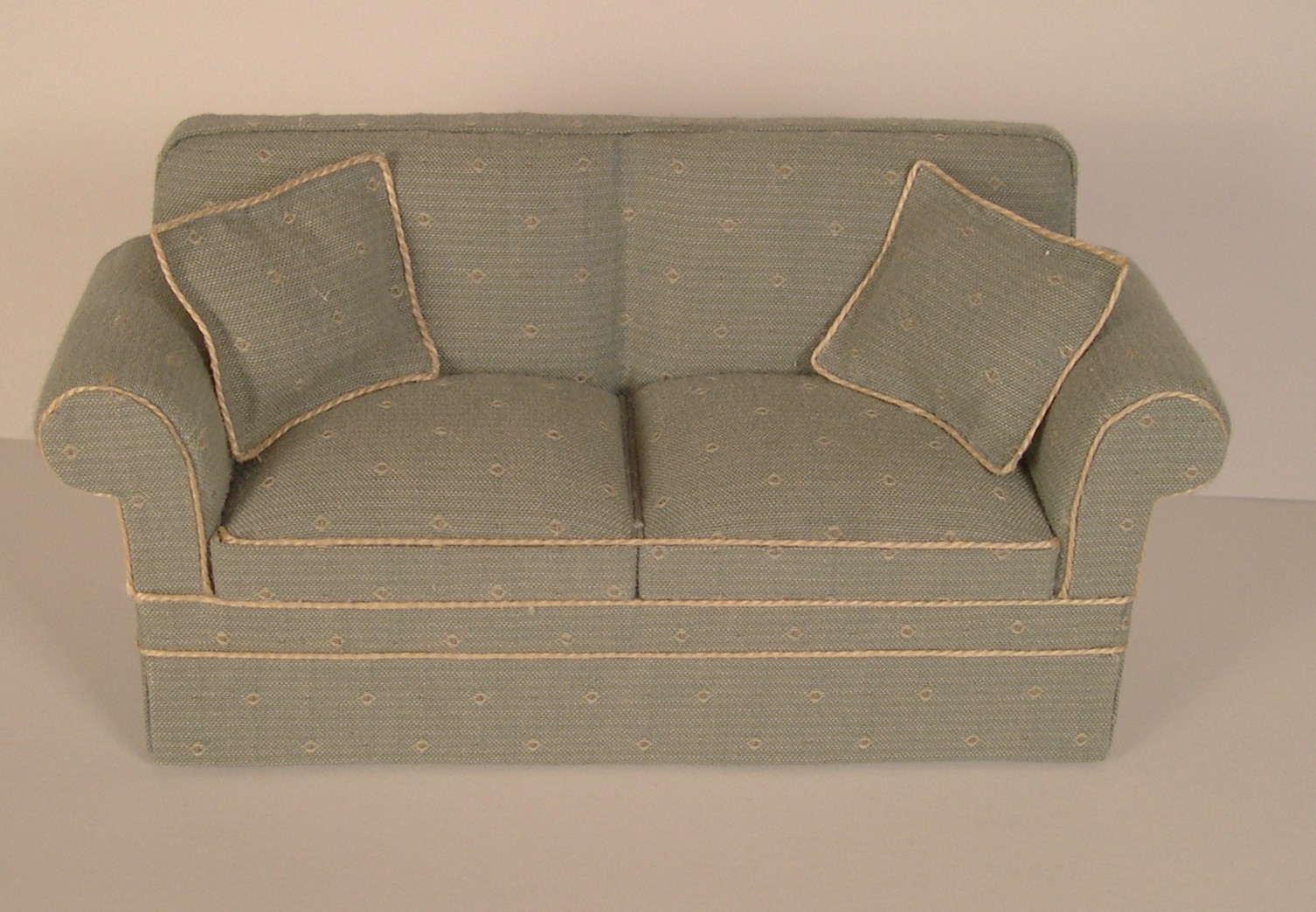do i have a square cushion or t cushion sofa chair or loveseat