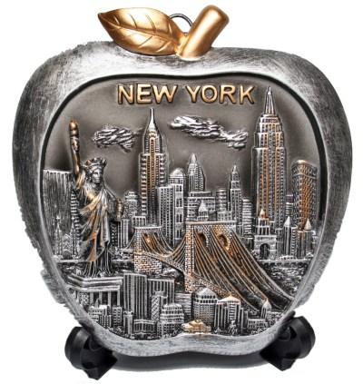 New York Souvenirs Souvenir Plates NY Skyline Apple Shaped Souvenir