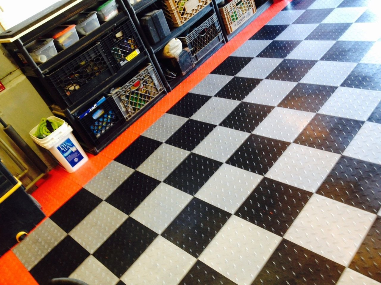 Garage Floor Tiles That Drain Garage Floor Tiles Xtreme Garage Floor Tiles Diamond Pattern