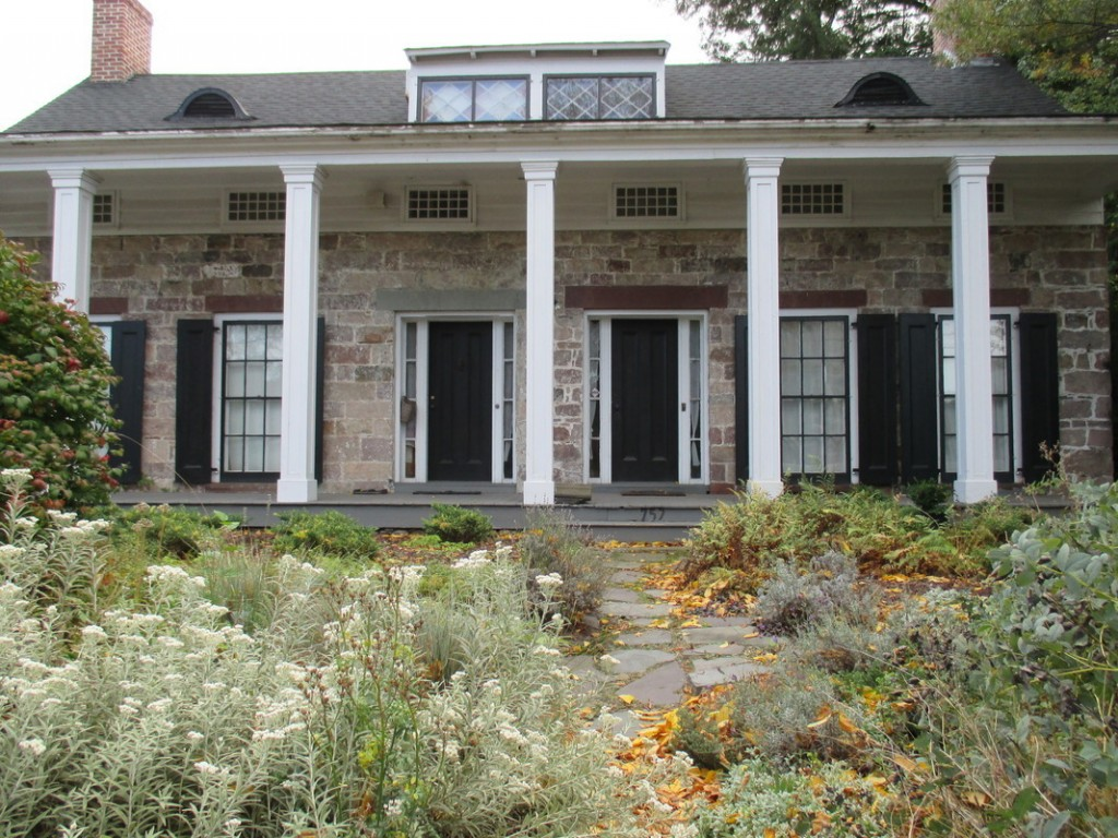 Greek Revival Farmhouse Architecture You Can Own A Piece Of Nyc History For 499k Streeteasy