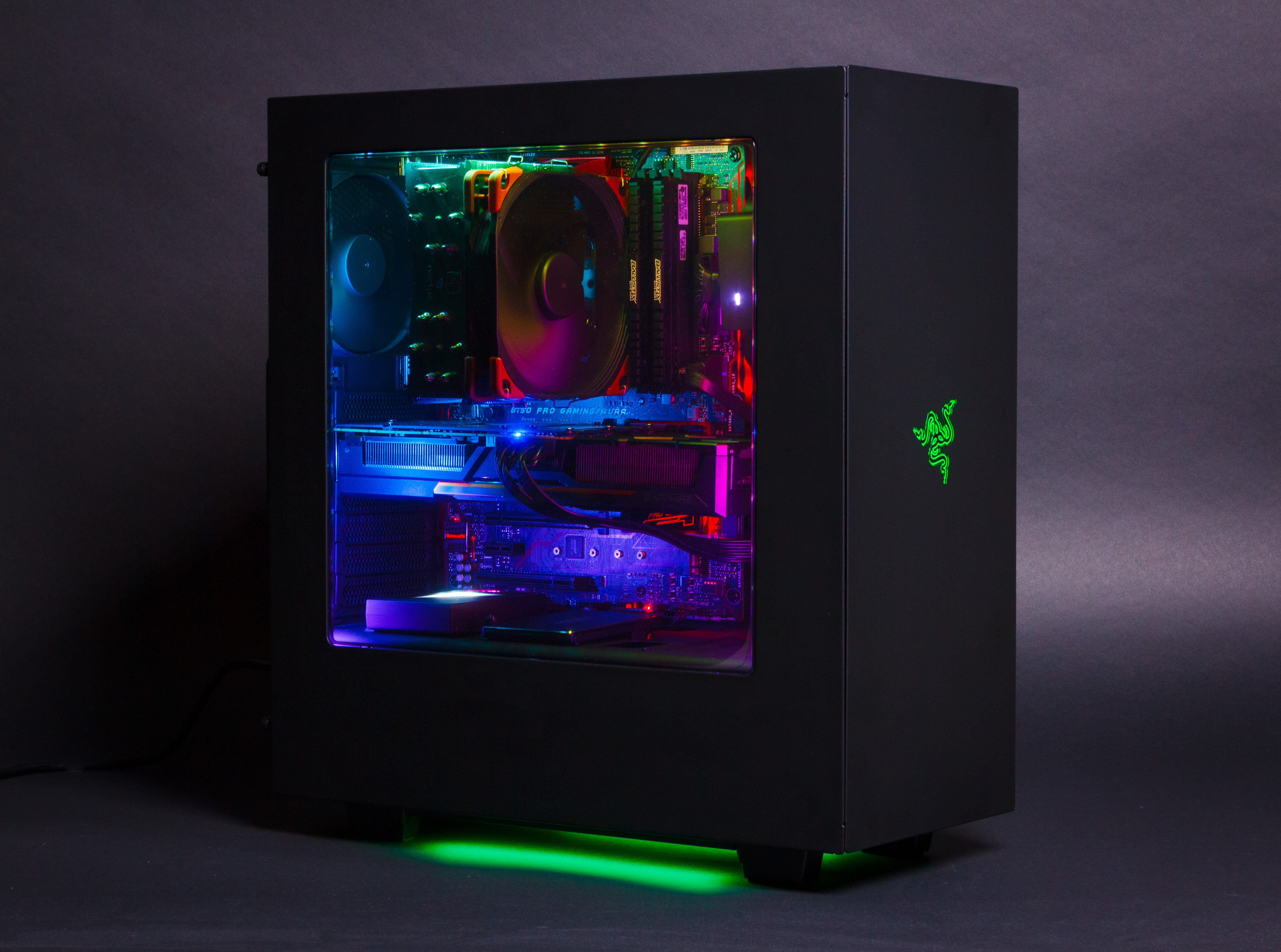 Hue Producten Review: Nzxt Hue+ Advanced Pc Lighting | Computer Idee