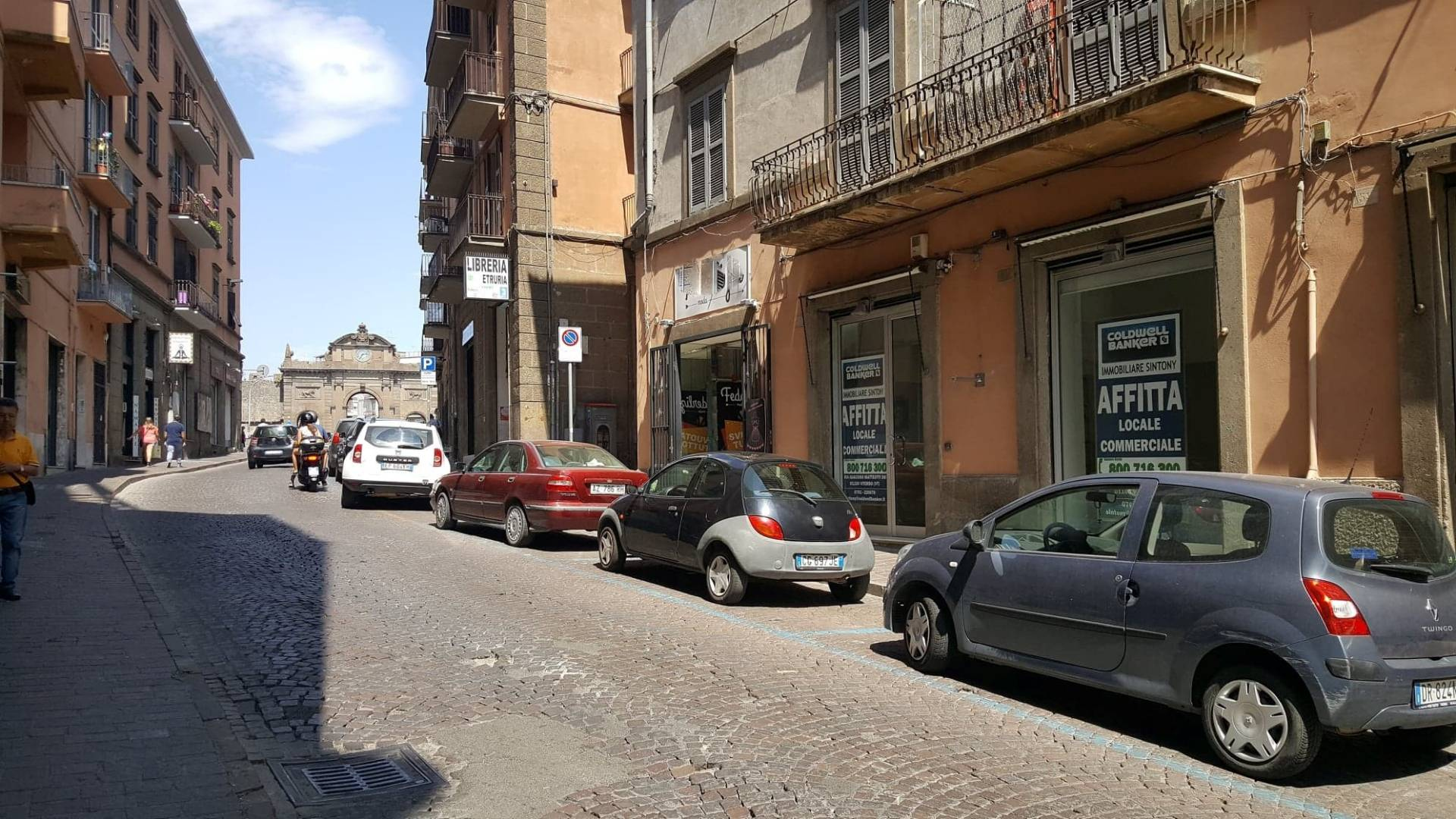 Librerie A Viterbo Cbi028 C132 Warehouses For Rent In Viterbo Centro Coldwell