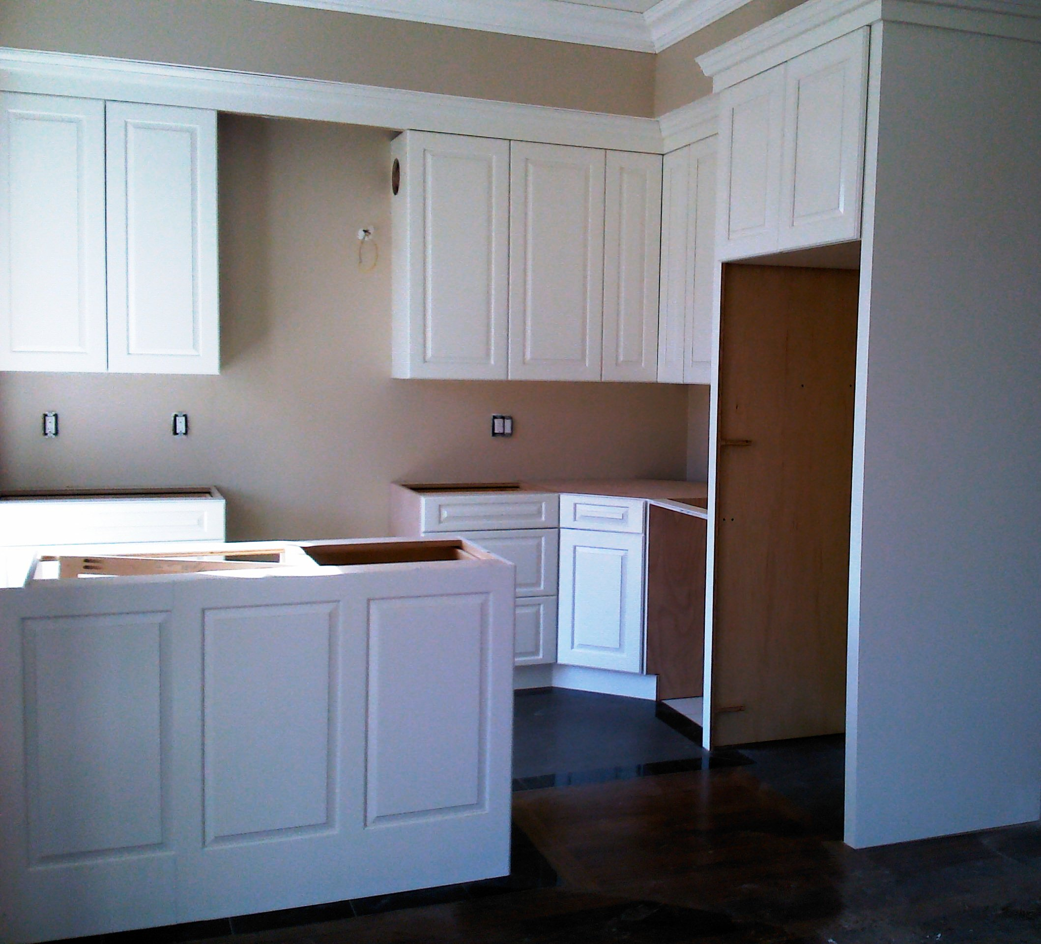 Installing Kitchen Cabinet Crown Molding Kitchen Cabinet Installation