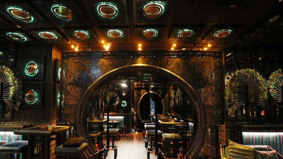 King Falls Am Wallpaper Bar Review Ophelia In Wan Chai Heavy On The Concept