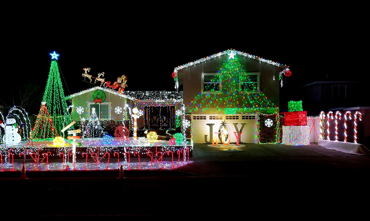 Best Place For Christmas Decorations Where To See Some Of The Best Christmas Light Displays In O C