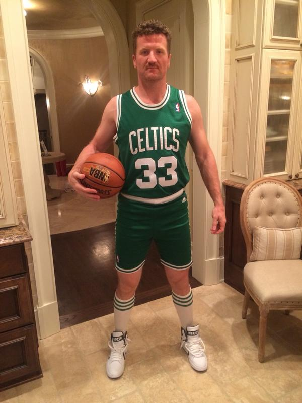 Cute Twin Baby Boy And Girl Wallpapers Scott Hartnell S Larry Bird Halloween Costume Is Insanely