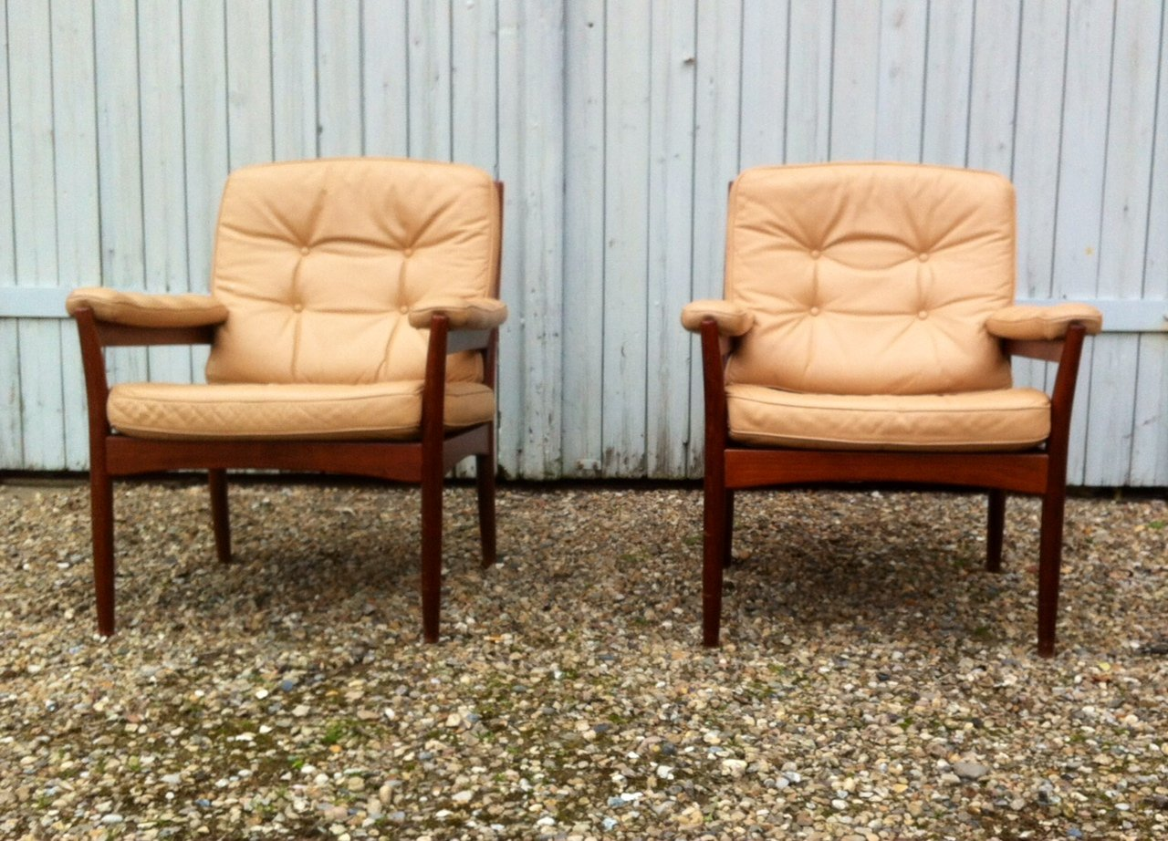 mid century leather lounge chairs from g mobel sweden 1970s set of 2