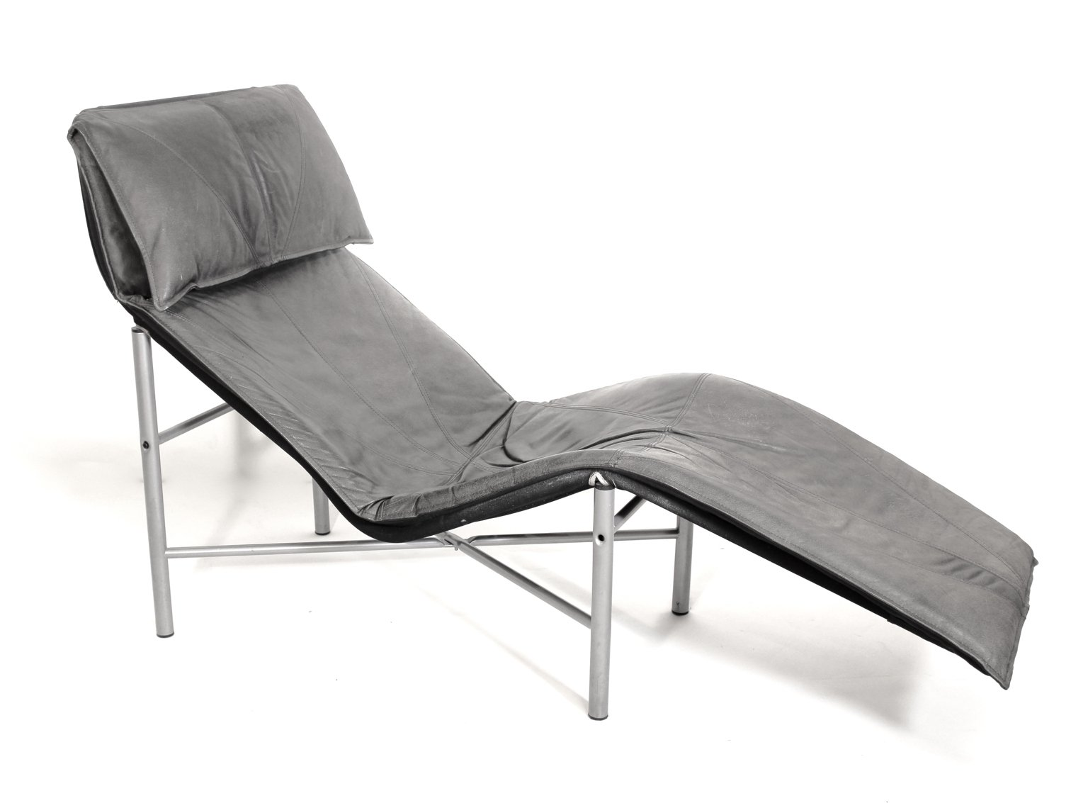 Chaise Longue Suisse Leather Chaise Longue By Tord Bjorklund 1970s For Sale At