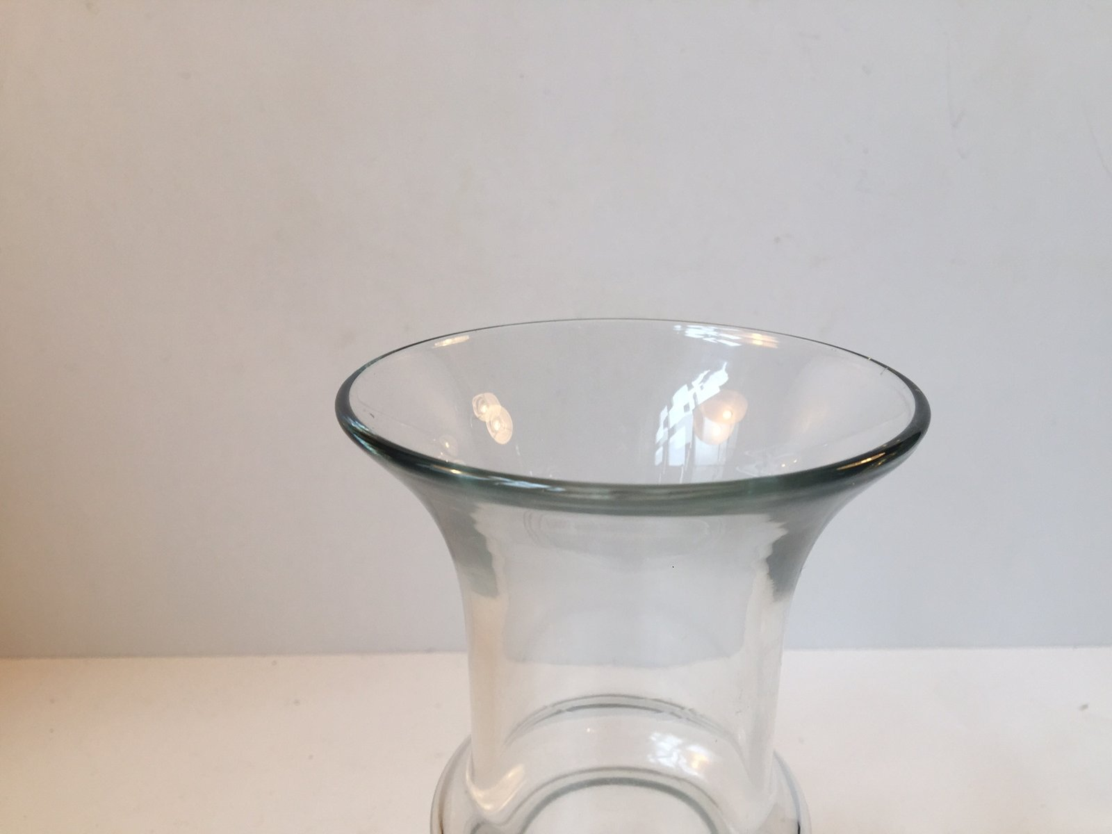 Chaise Aladin Modernist Hooped Glass Vase By Tamara Aladin For Riihimäen Lasi 1960s