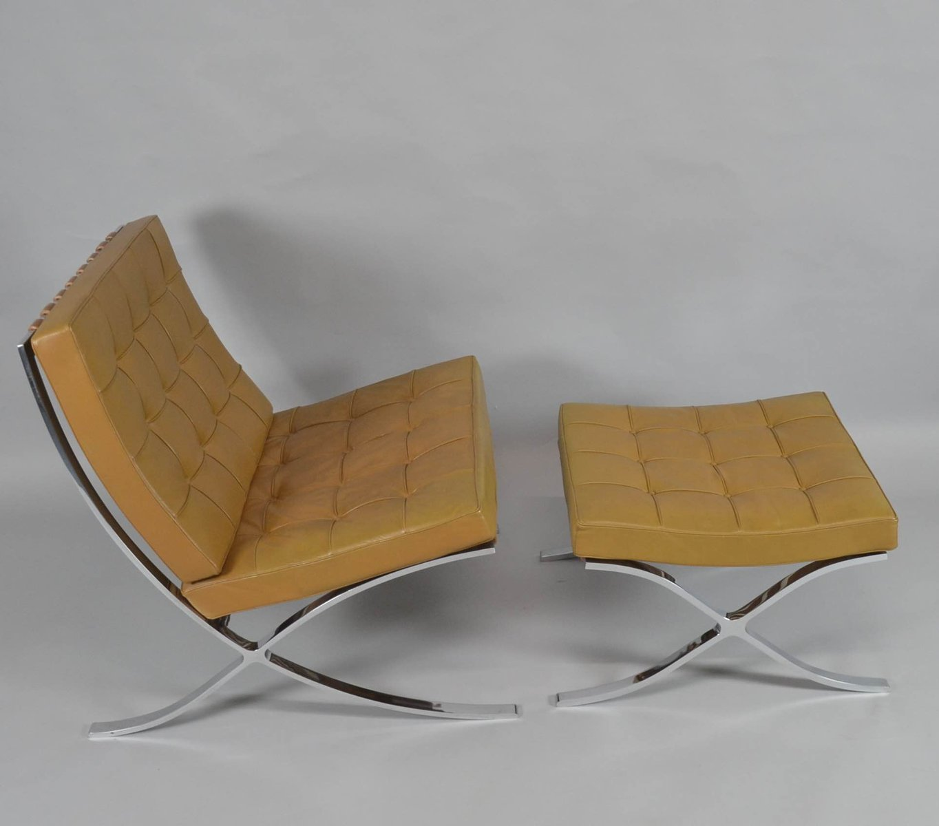 Barcelona Sessel Knoll Vintage Barcelona Chair With Ottoman By Ludwig Mies Van Der Rohe For Knoll International