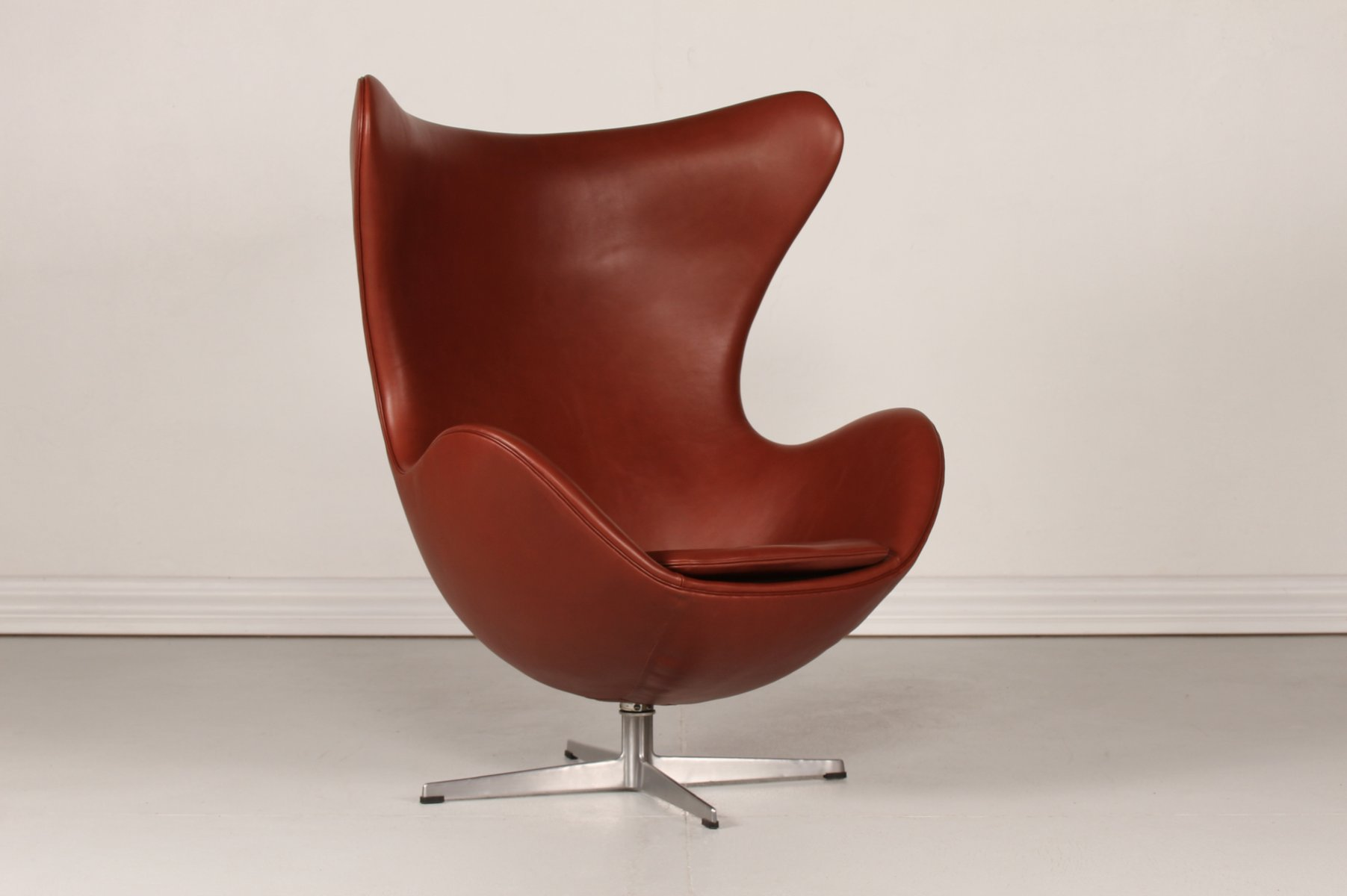 Buy Egg Chair 3316 Cognac Leather Egg Chair By Arne Jacobsen For Fritz