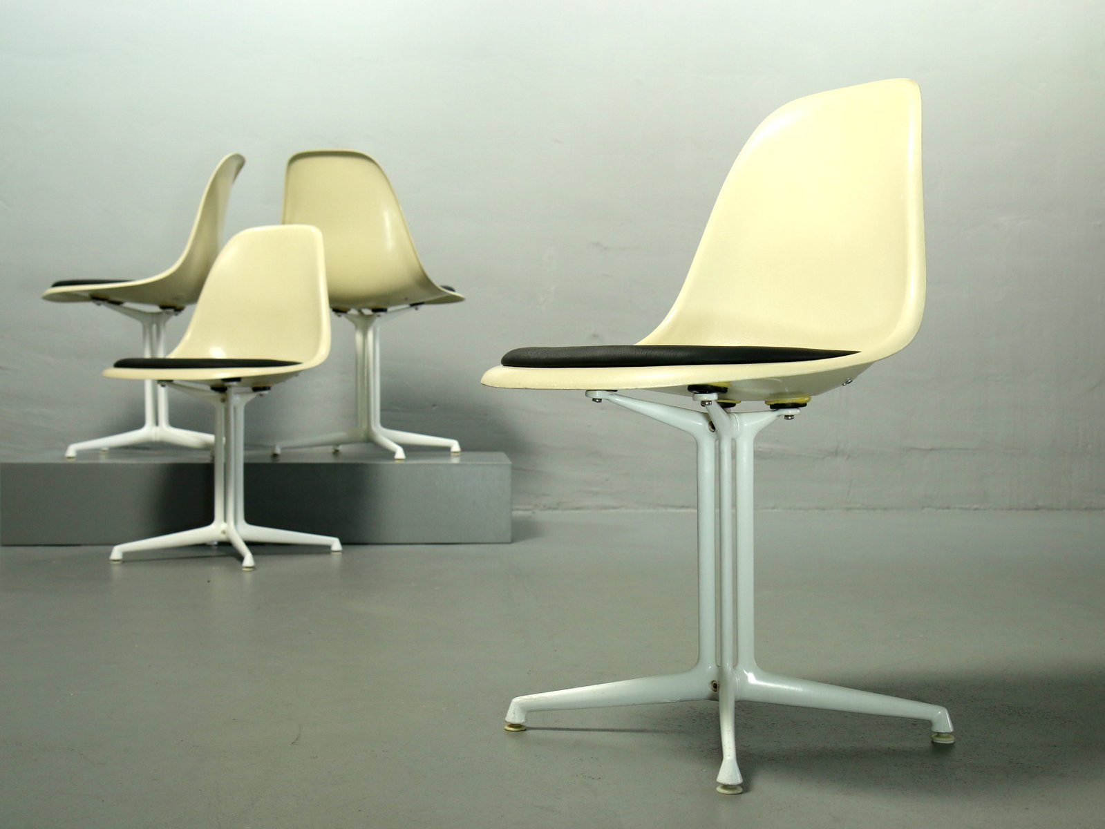 Vitra Eames Side Chair Fiberglass Side Chairs By Charles Ray Eames For Vitra Set Of 4