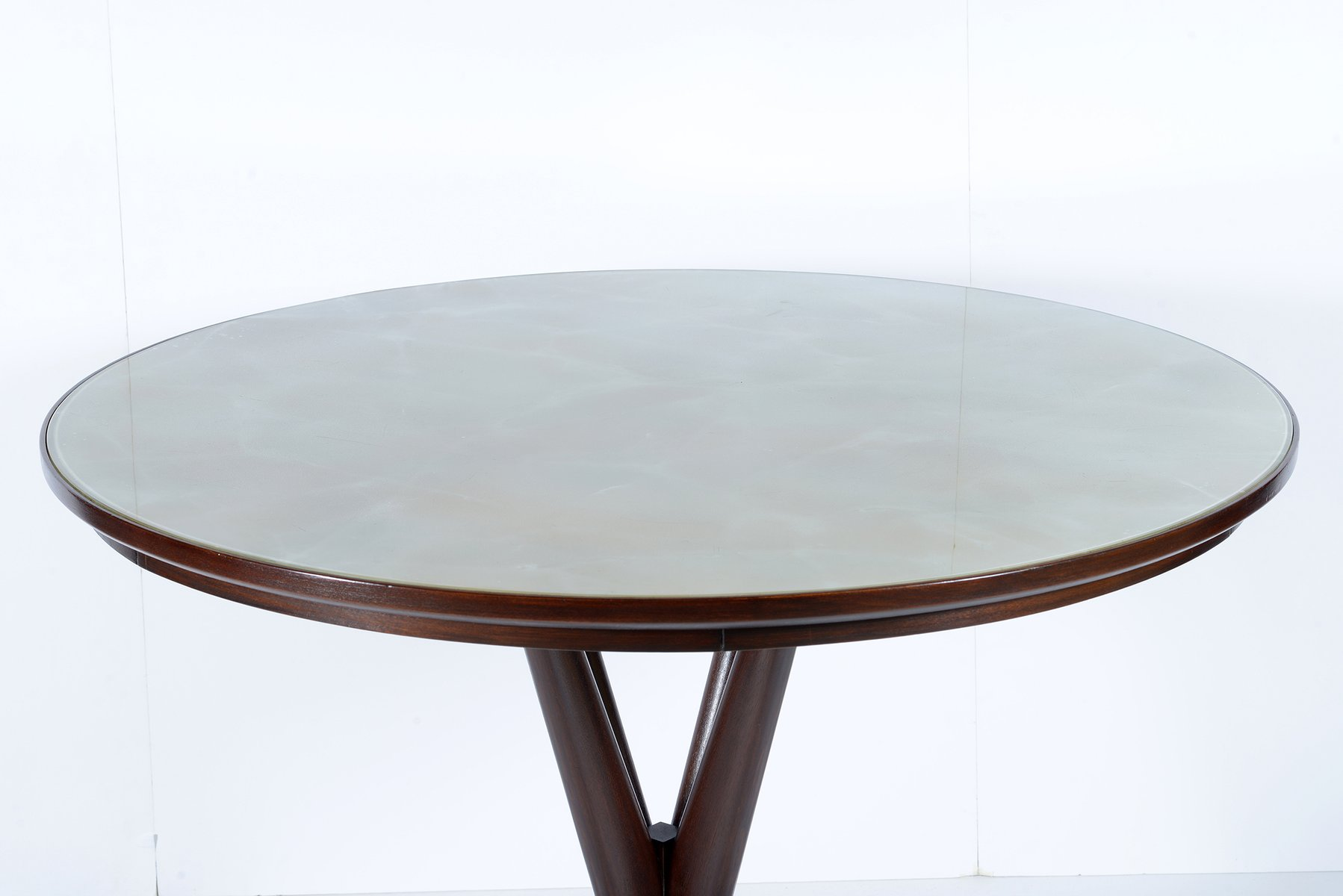 Table Ronde En Verre But Table Ronde Avec Plateau En Verre Italie 1950s En Vente