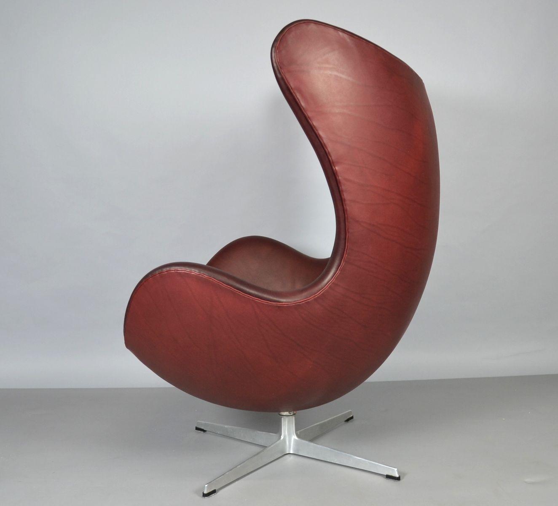 Egg Chair Leder Egg Chair Und Fusshocker Aus Leder Von Arne