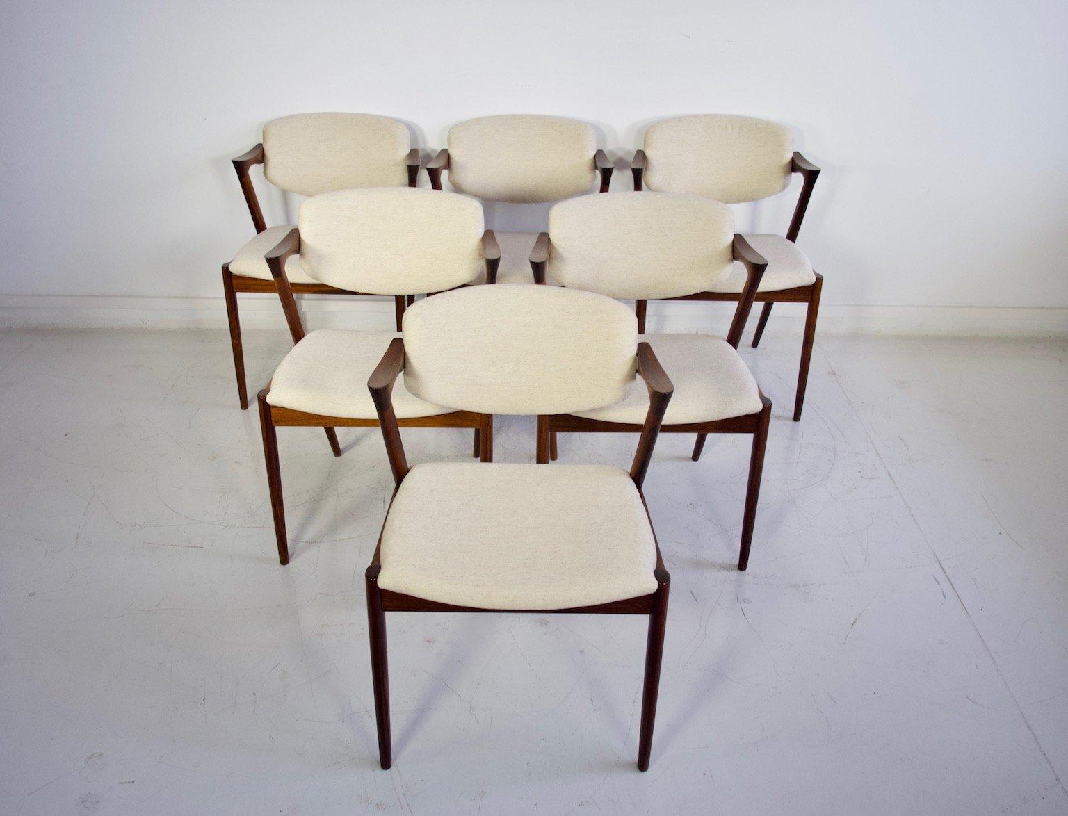Modèles De Chaises Pour Table à Manger   Belle Lampadaire Design ...