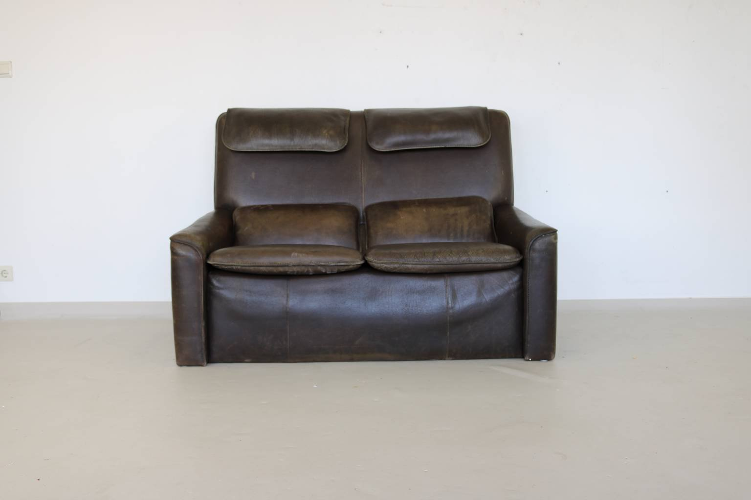 Canape Cuir Marron 2 Places Canapé Marron En Cuir 2 Places 1970s En Vente Sur Pamono