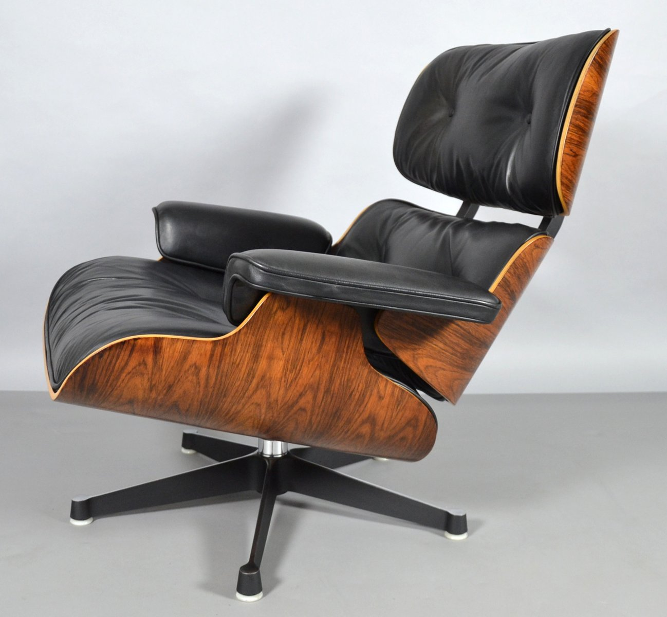 Sessel Charles Eames Sessel And Fußhocker Von Charles And Ray Eames Für Vitra