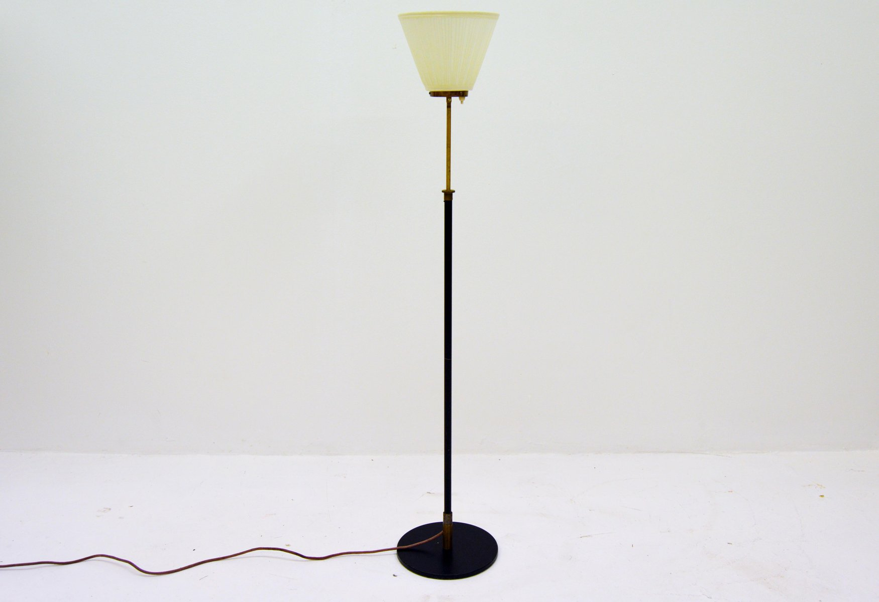Deckenfluter Modern Scandinavian Modern Adjustable Uplight With Brass 1950s