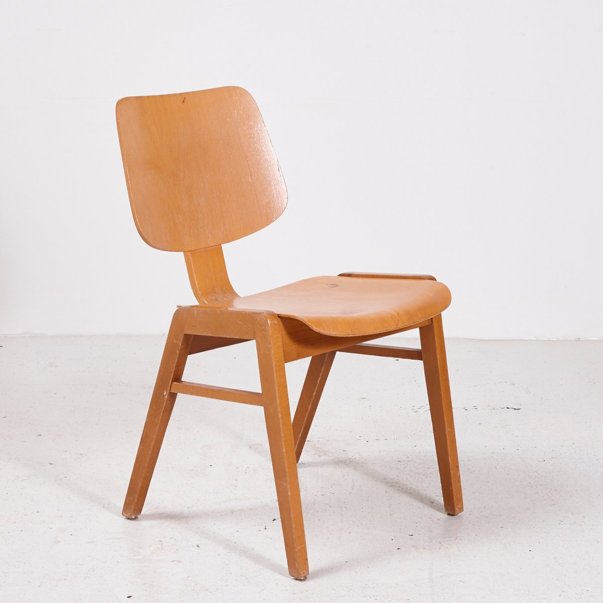 Z Chairs Sale Vintage Stackable Beech Chair 1970s For Sale At Pamono