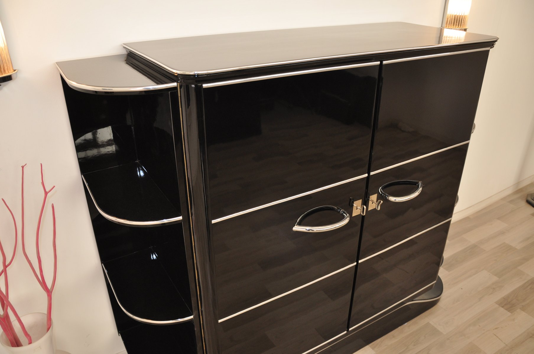 Meuble Art Deco Art Deco Black High Gloss Dry Bar 1920s