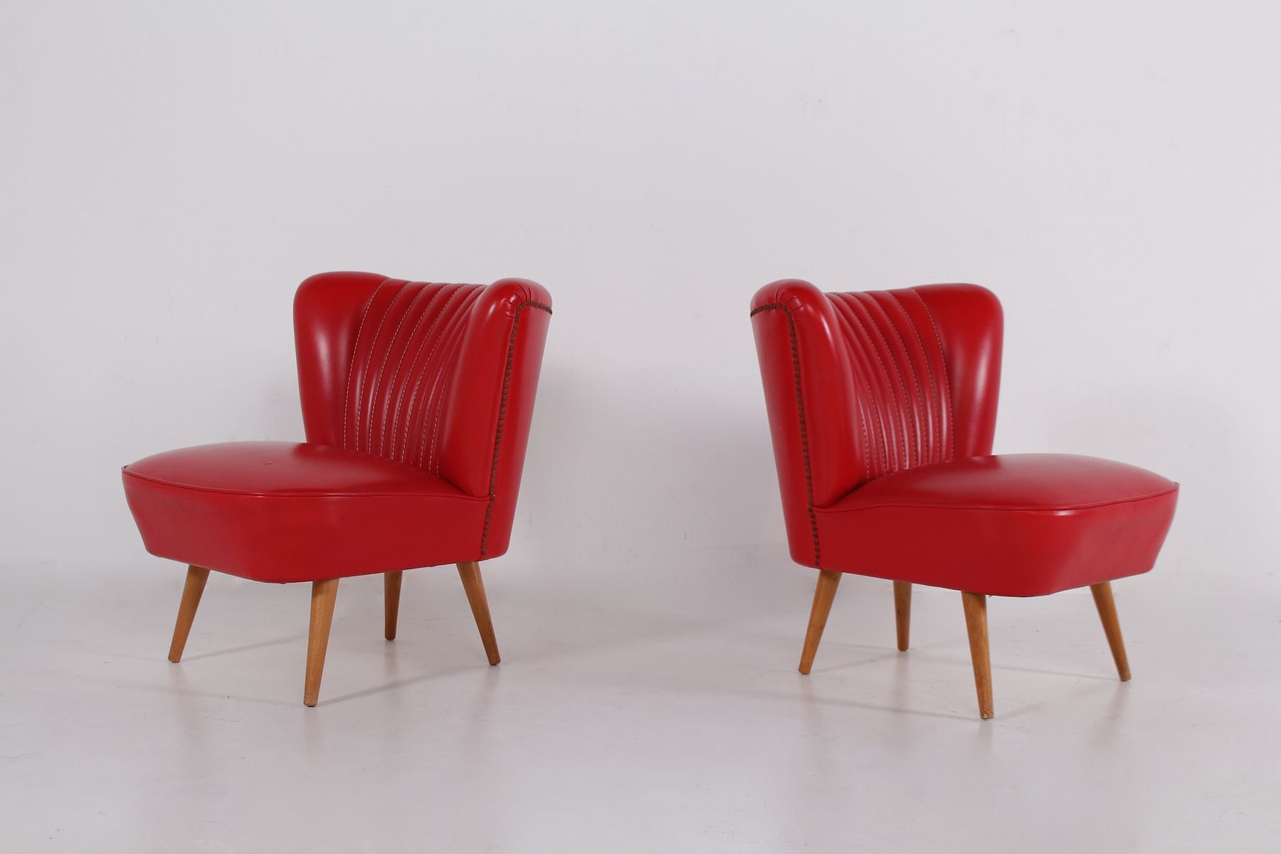 2 Fauteuils Cocktails Fauteuils Cocktail En Skaï Rouge Set De 2 1950s