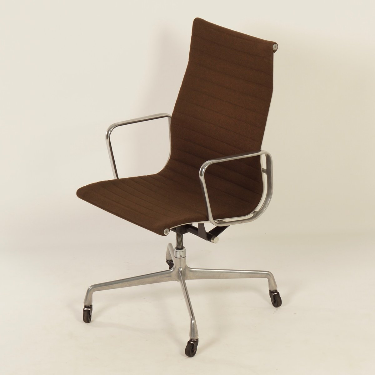 Charles And Ray Eames Chair Office Chair By Charles And Ray Eames For Herman Miller
