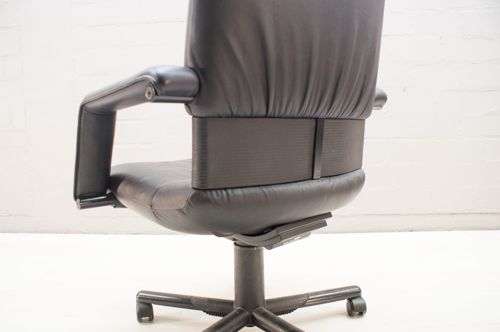 Vitra Chair Figura Mario Bellini Vintage Figura Ii Office Chair In Leather By Mario Bellini For Vitra