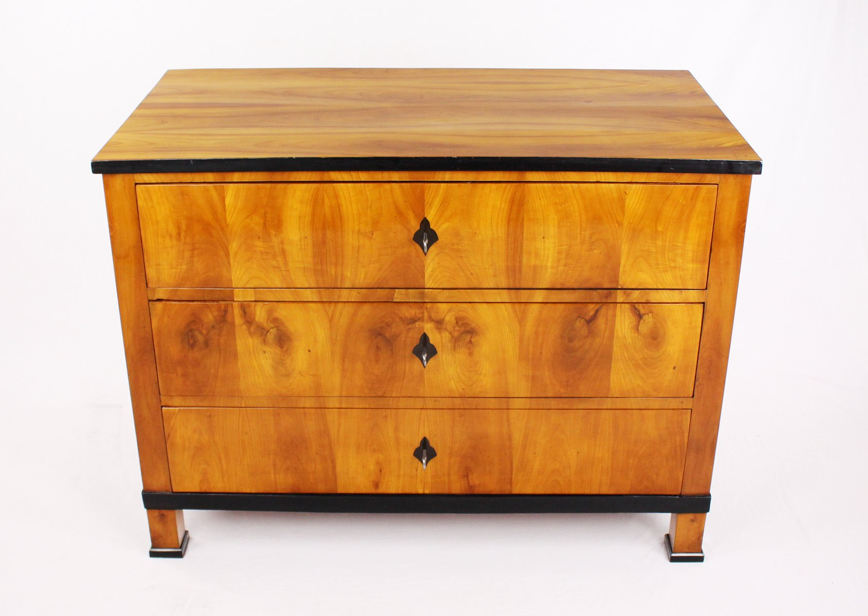 Biedermeier Kommode Biedermeier Cherrywood Chest Of Drawers 1820s