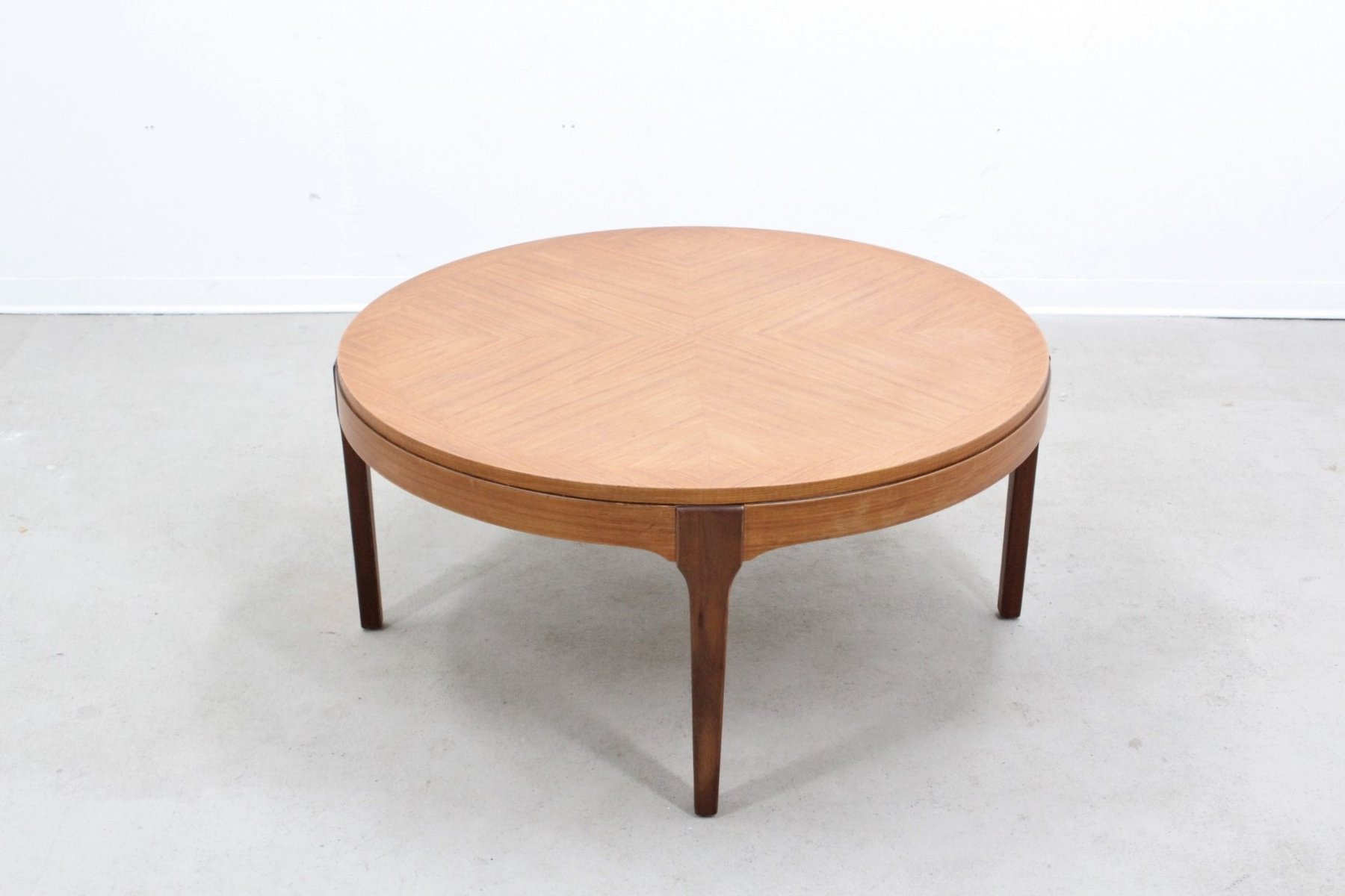 Round Mid Century Coffee Table Mid Century Round Teak Coffee Table For Sale At Pamono