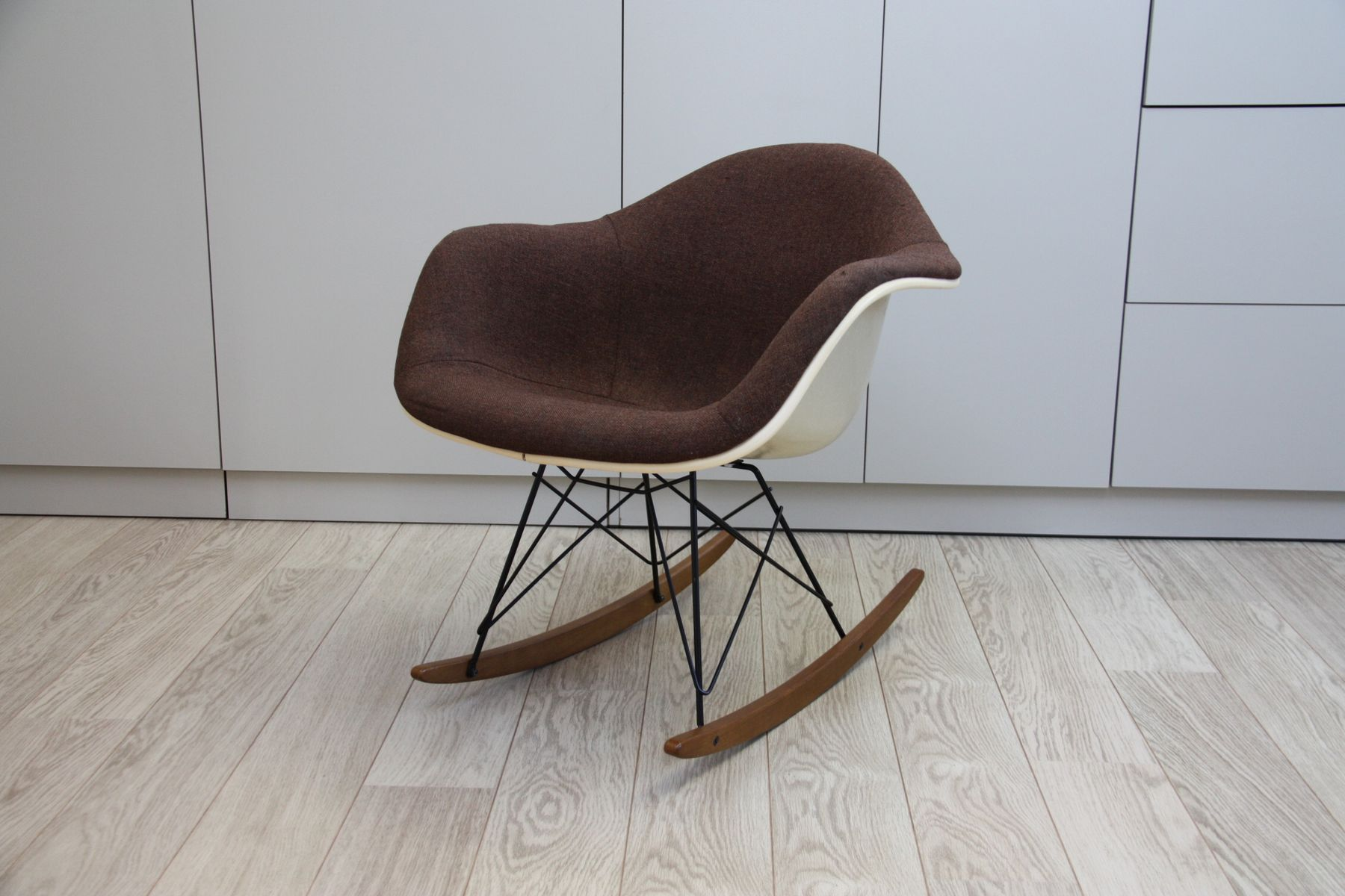 Charles Eames Schaukelstuhl Charles Eames Rocking Chair Vitra Vitra Charles Eames Lounge