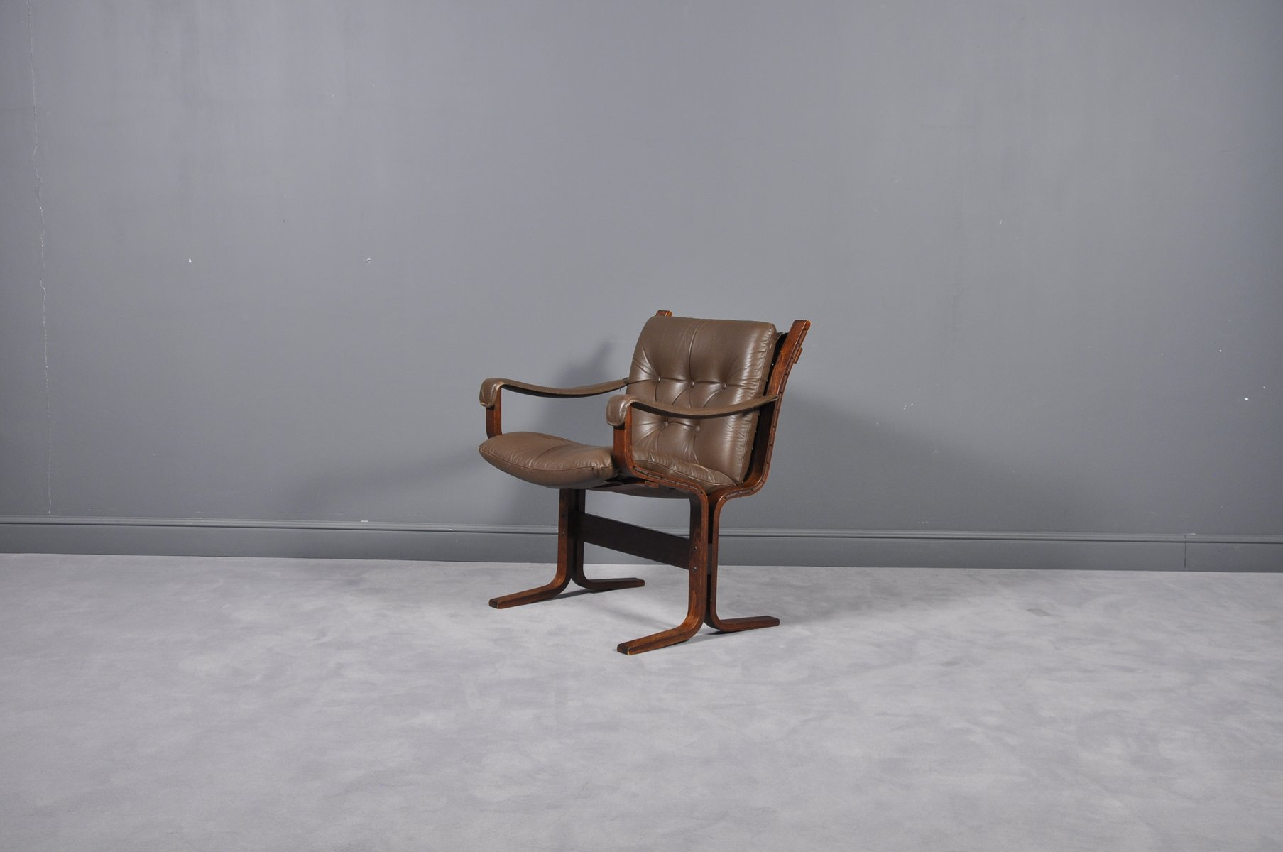 Siesta Sessel Mid Century Siesta Leather Lounge Chairs By Ingmar Relling For