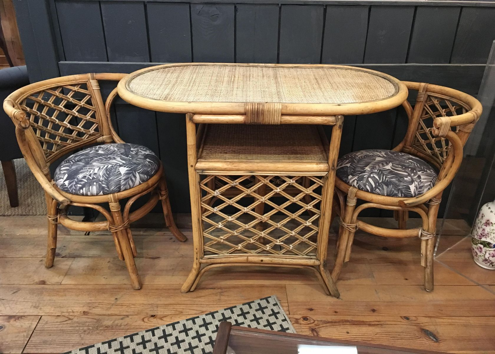 Table De Jardin En Rotin Table De Jardin And 2 Chaises En Rotin Vintage En Vente Sur