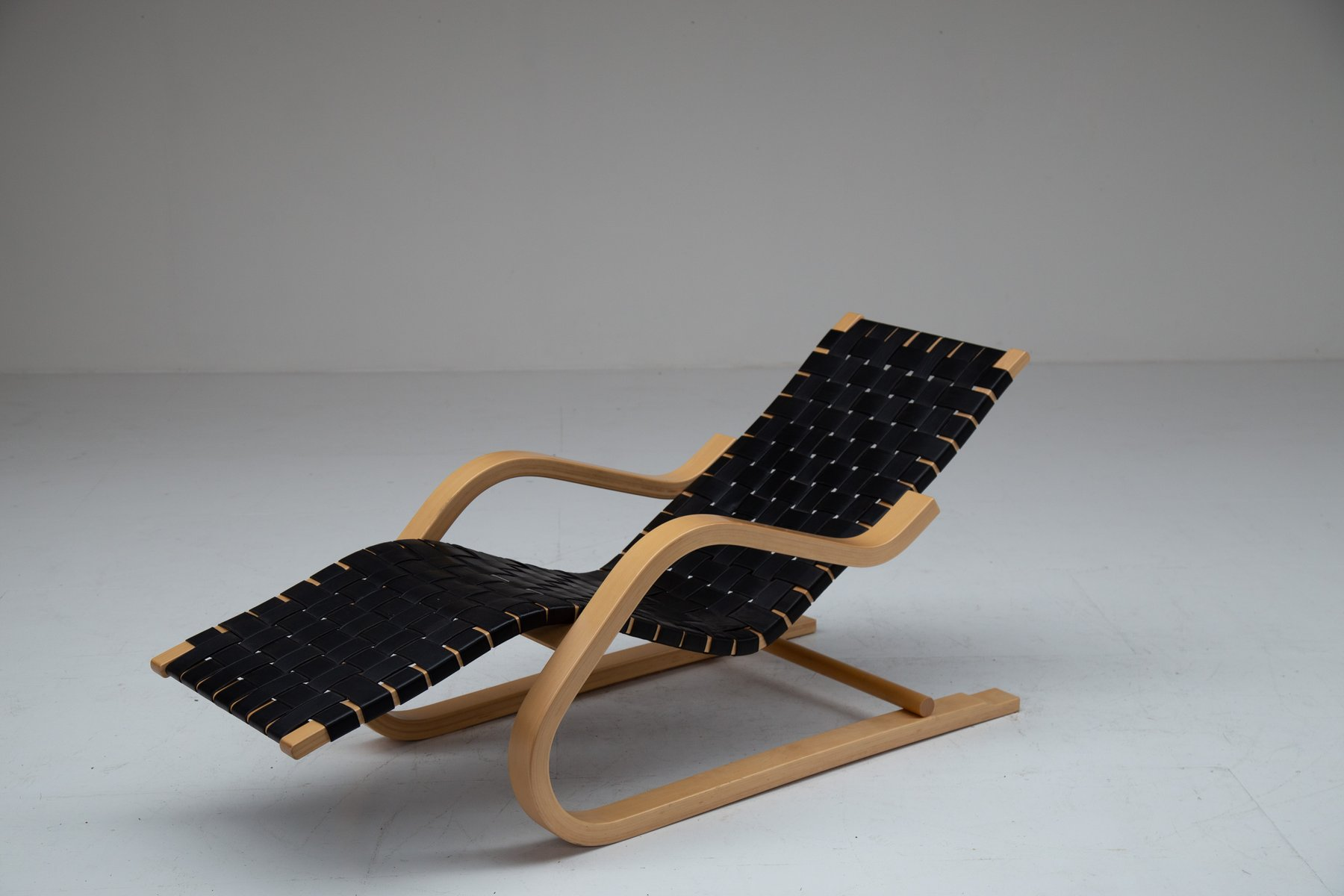 Chaise Lounge By Alvar Aalto For Artek 1940s For Sale At Pamono