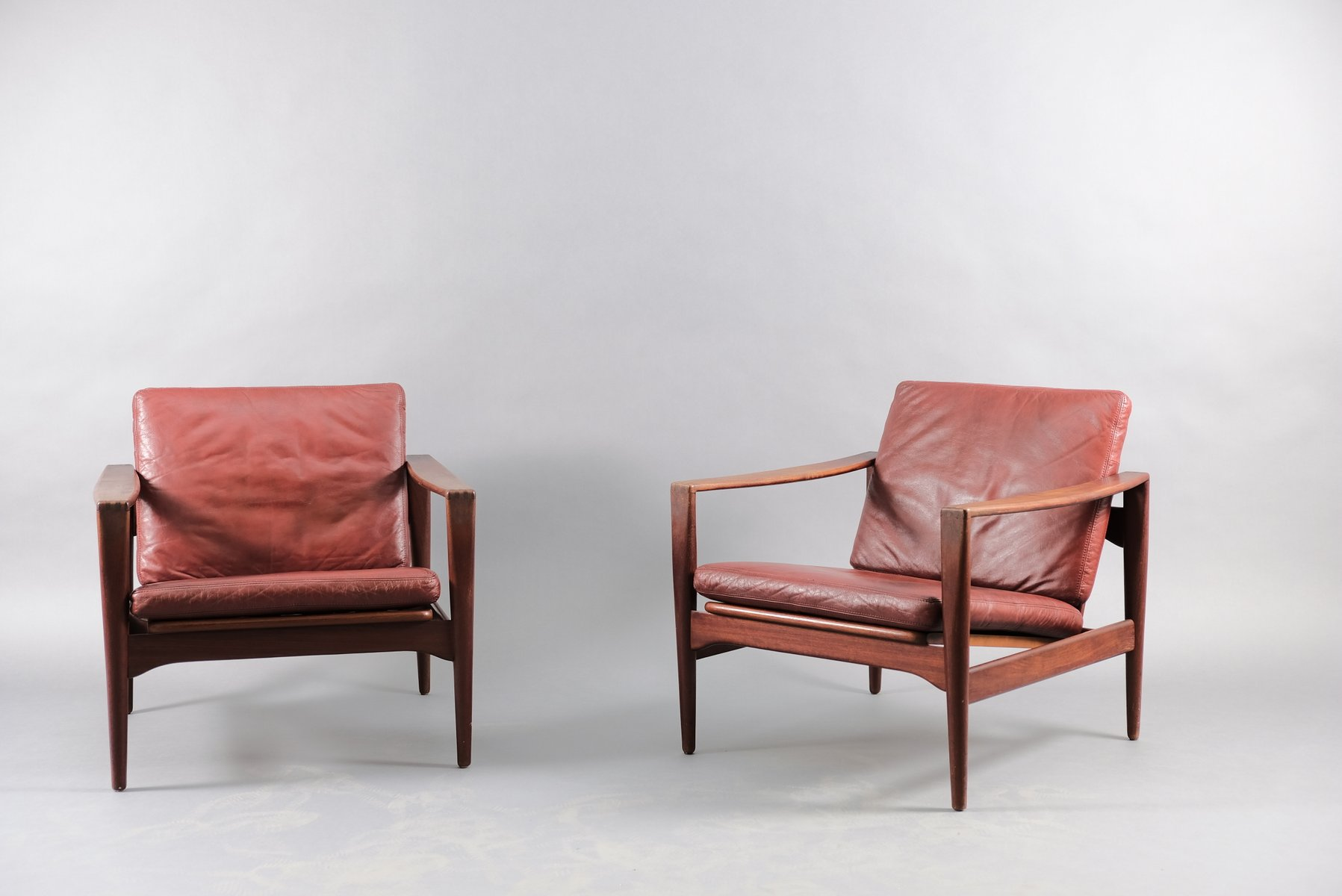 Mid Century Lounge Chairs By Illum Wikkelsø For Niels Eilersen 1960s Set Of 2 For Sale At Pamono