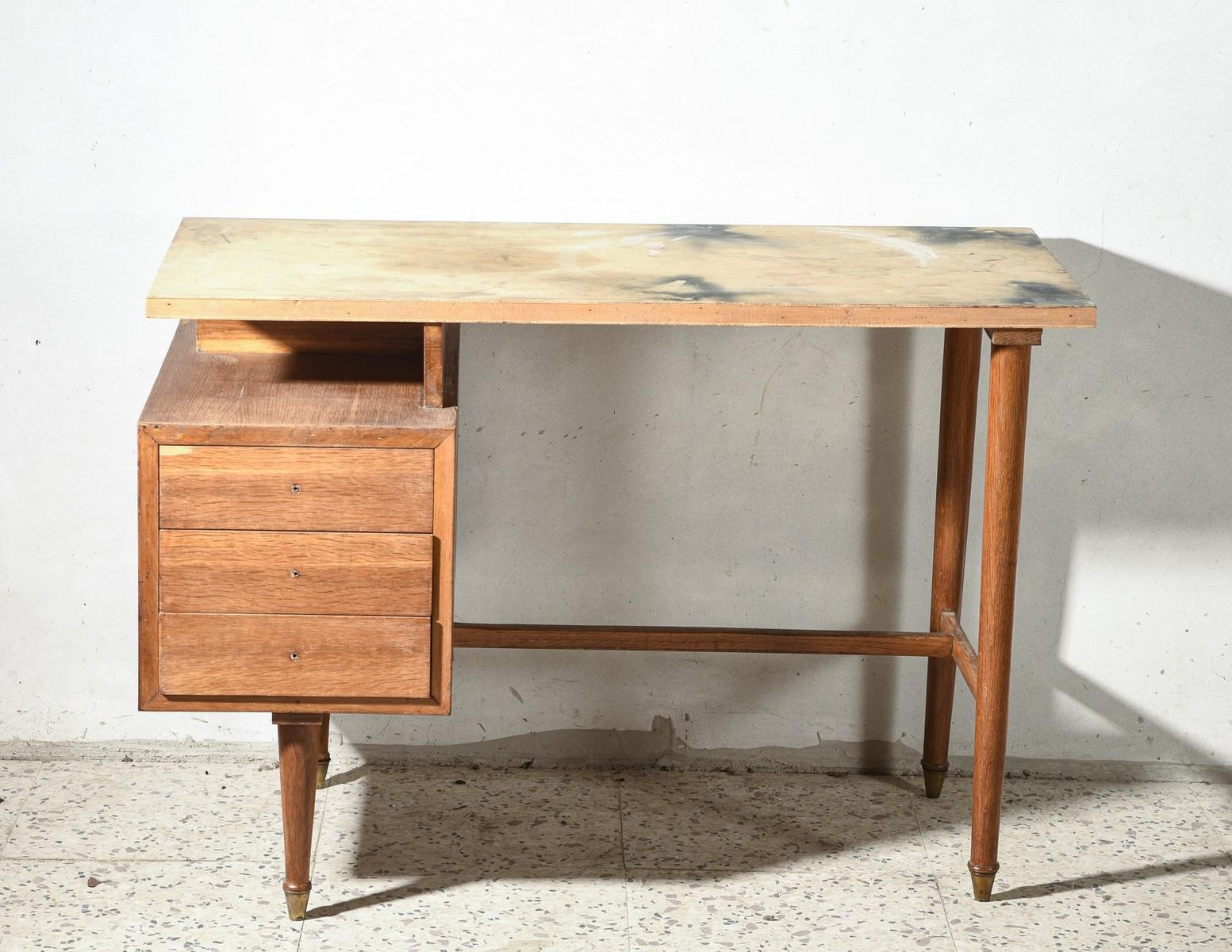 Italian Small Desk In Walnut And Plywood 1950s For Sale At Pamono