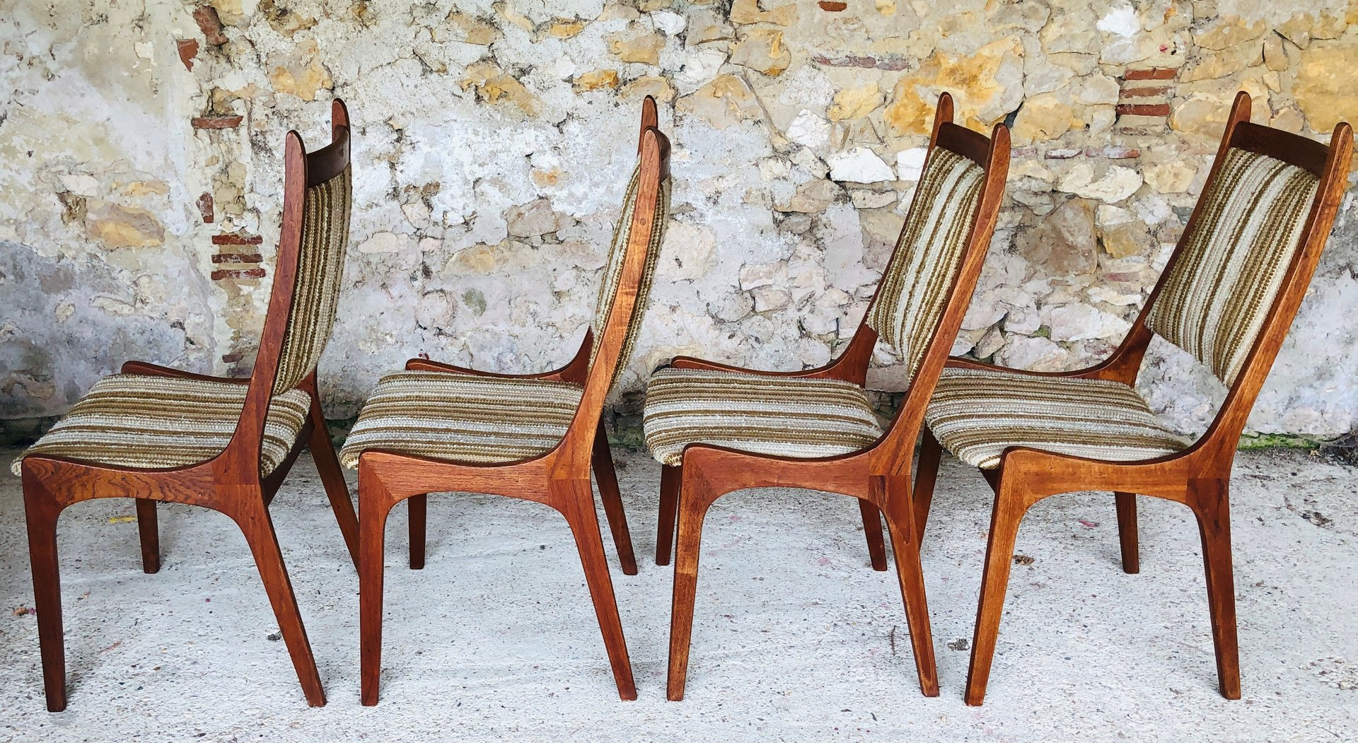 Mid Century Teak Dining Chairs From R Huber Co Set Of 4 For Sale At Pamono