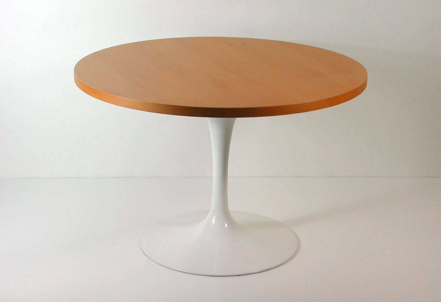 Saarinen Knoll Table Tulip Base Lazy Susan Coffee Table By Eero Saarinen For Knoll