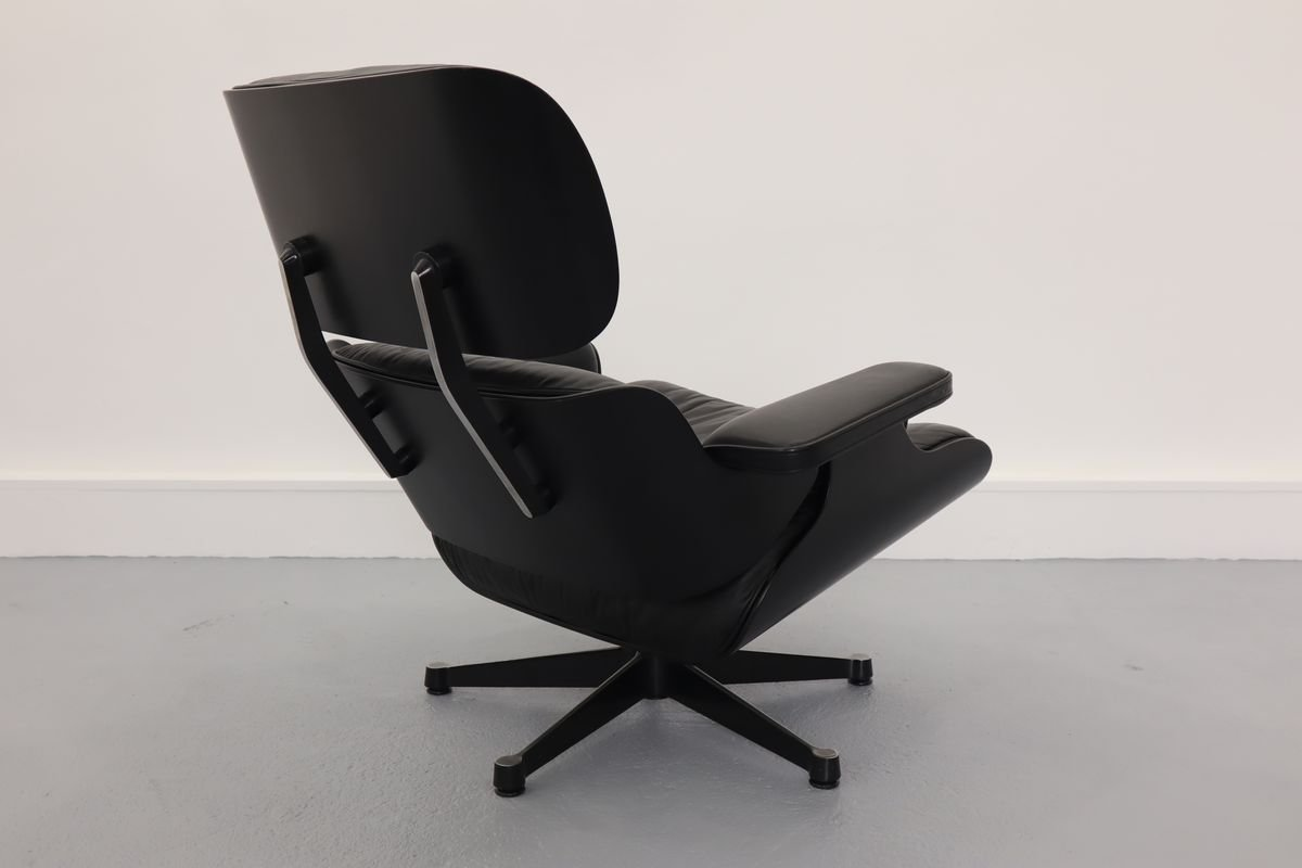 Chair Eames Https://www.pamono.co.uk/lounge-chair-by-charles-ray-eames-for-vitra-1980s-3