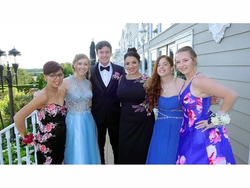 Centereach High School Seniors Head to the Prom Sachem, NY Patch