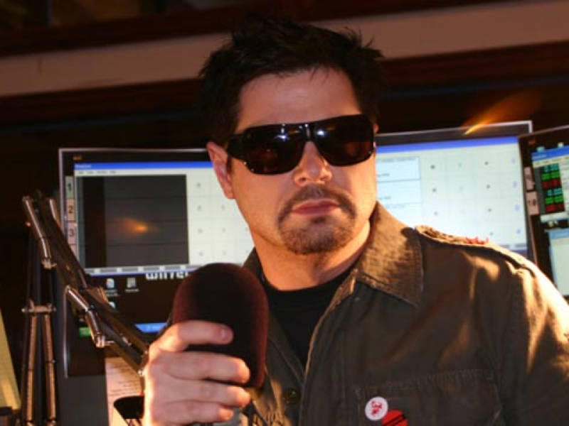 Travel Jobs Zurich Mancow Muller Calls For Harvest Bible 39;s Macdonald To 39;come