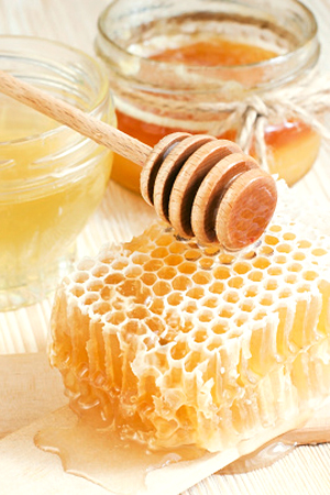 Benefits of Honey In Skin Care Routine -- BeautyRiot.com
