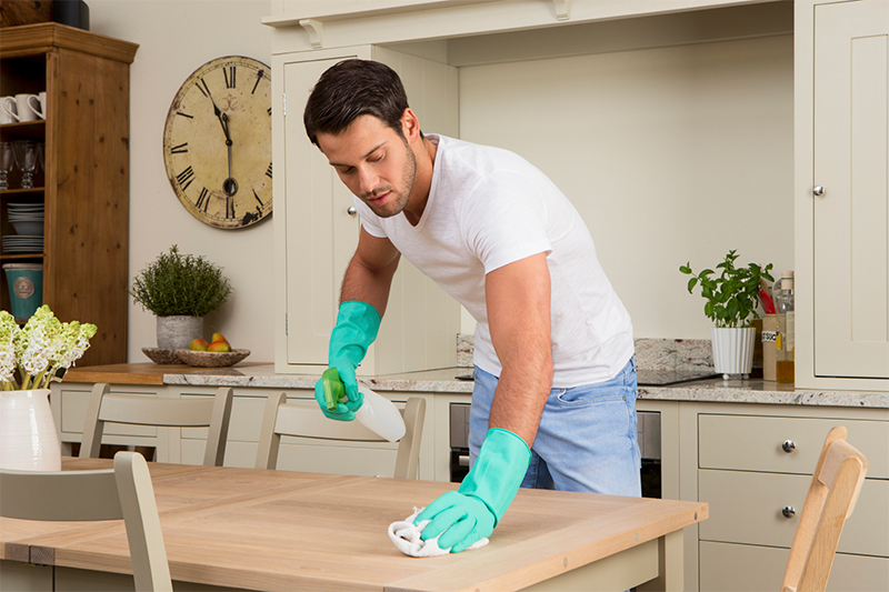 How Much Does House Cleaning Cost in 2018