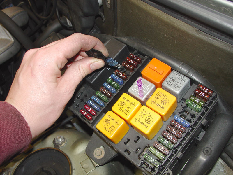 remove fuse box bmw e30