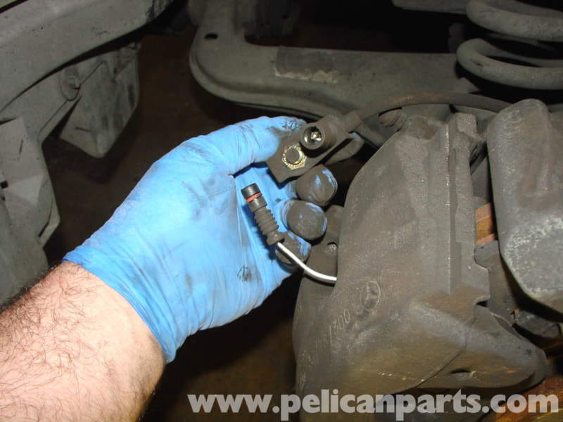 Mercedes-Benz W210 Front Brake Pad/Disc Replacement (1996-03) E320
