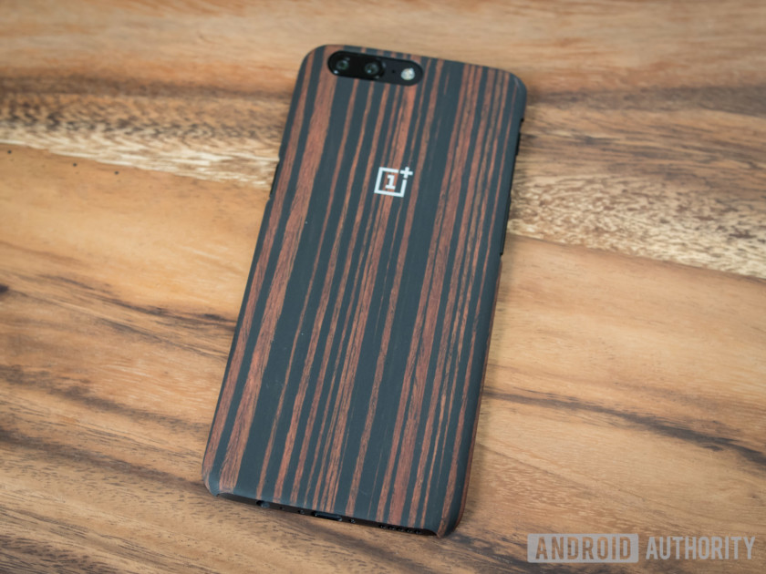 These are the official OnePlus 5 cases - Android Authority