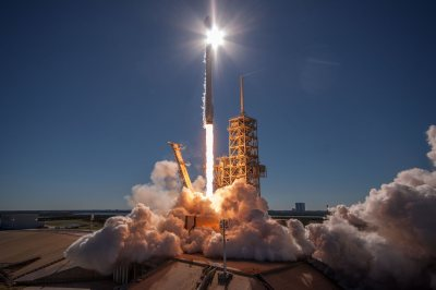 SpaceX fans, here are 30 hi-res wallpapers for your phone ...