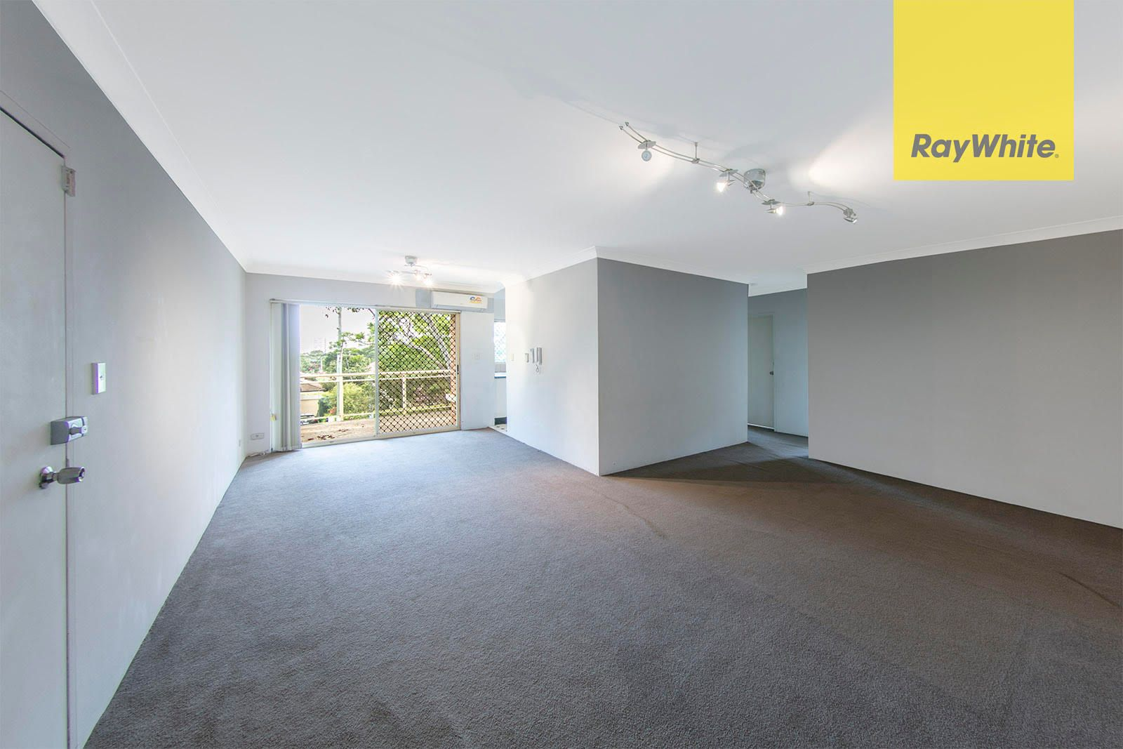 Laundry Parramatta 8 46 48 Prospect Street Rosehill Nsw 2142 Leased Unit