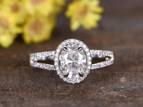 Medium Of Oval Engagement Rings